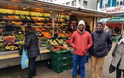 Tansanische Gäste entdecken das süddeutsche Leben